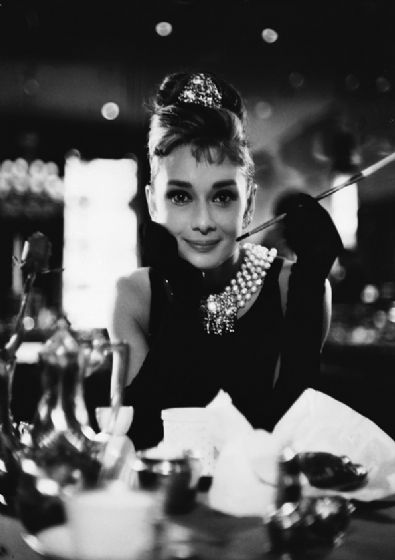 Black and White Audrey Hepburn Breakfast at Tiffany's 1961 Vintage Film/Movie Print/Poster. Sizes: A4/A3/A2/A1 (003104)